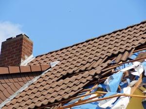 roof-storm-tile-roofer-thunderstorm-damage-919961-pxhere.com